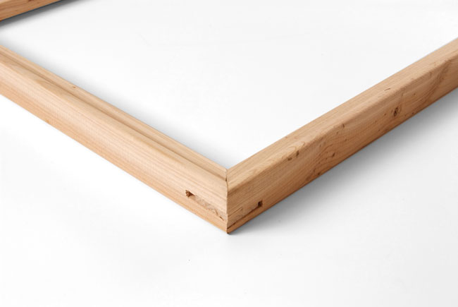 Standard beveled canvas stretcher bar